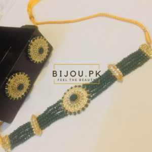 Emerald choker set for women in Karachi, Pakistan