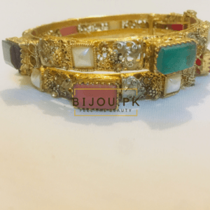 Traditional Bangles for women in Pakistan