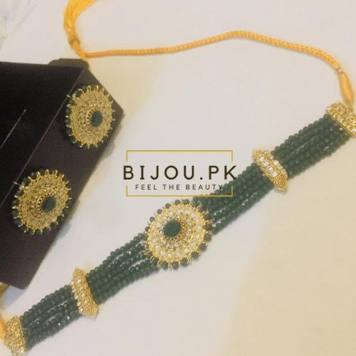 Emerald choker set for women in Karachi, Pakistan
